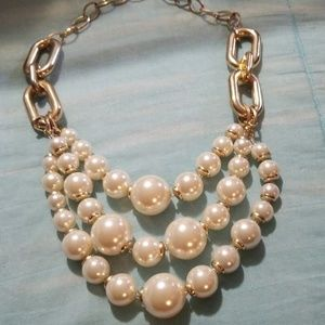 Gorgeous bauble necklace!